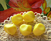 5 Fab Vintage Lucite Beads Sunny Yellow Polygons